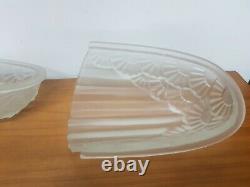 2 Verres pour Applique ou lustre verre moulé décors de fleurs degue muller