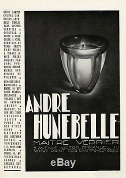 A. Hunebelle Lampe Veilleuse Art Deco Labyrinthe Globe En Verre Pressé 1930
