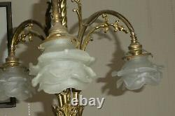 Ancien Lustre Bronze Doré 3 Lampes Tulipe Pâte De Verre forme de fleurs Art Déco