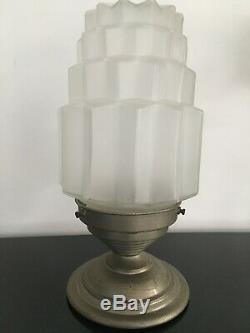 Ancienne lampe Lustre plafonnier art déco Globe Verre Dépoli Building Skyscraper
