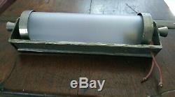 Applique bronze nickelé Art Déco en verre givré / Moderniste années 30-40