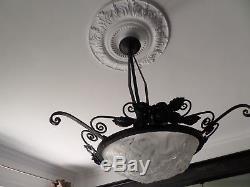 Art Deco Lustre Ancien Signe Degue En Pate De Verre Moule Et Fer Forge