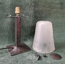 CHARLES PIGUET & MULLER Lampe art déco fer forgé tulipe verre pressé 1930