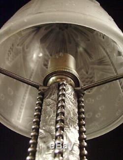 C. Piguet & Muller Lampe Art Déco En Fer Forgé Et Obus En Verre Pressé 1930