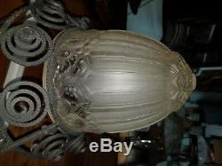 Chandelier lustre art deco pate de verre des hanots j. Robert muller fer forgé