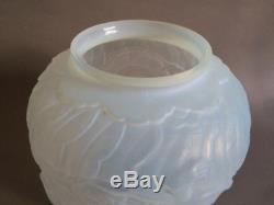 Etling Vase Opalescent Africaniste En Verre Moule Presse Art Deco 1930