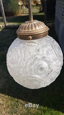 Grand ancien plafonnier boule en verre Art Déco de style Degué / R. Lalique