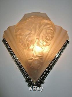 Grande Applique Art Déco bouquet de roses verre pressé VERDUN era Muller Degué