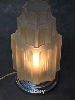 Grande Lampe Building Art Deco Skyscraper Gratte-ciel 1930 Moderniste