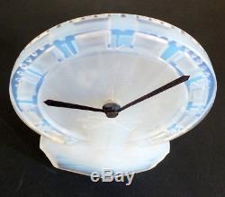 Lalique Ato verre opalescent pendulette Normandie paquebot clock