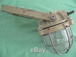Lampe MAPELEC luminaire industriel lourd qualité fonte verre grille support
