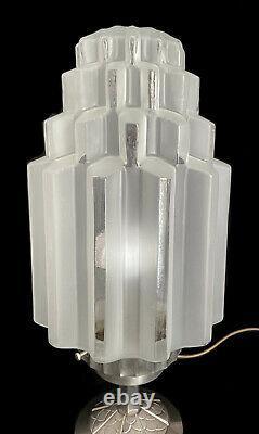 Lampe Skyscraper Bulding En Verre Pressé Art Déco Moderniste