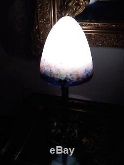 Lampe art deco le verre français, no Daum, Galle et fer forge