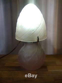 Lampe aux roses art deco verre pressé vers 1930 DLG Muller freres Lalique