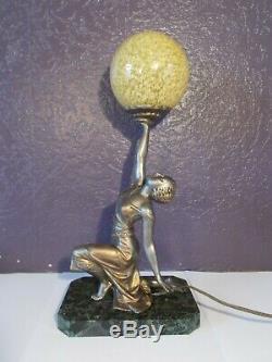 Lampe veilleuse art deco 1930 femme danseuse sculpture antique lamp figurine 30s