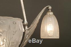 Lustre Art Déco En Bronze Et Verre Moulé-pressé / French Art Deco Chandelier