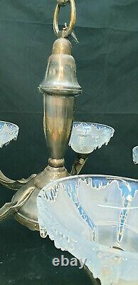 Lustre Ezan opalescent France en bronze argenté à cinq bras de lumières
