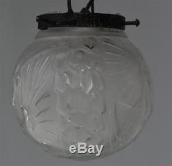 Lustre en fer forgé années 1930 Art déco verre moulé Muller Fréres