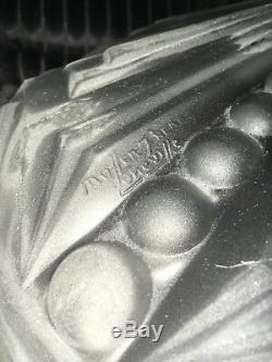 Magnifique Grand Vasque Signé Muller Frères Luneville, Moulé Pressé avec Motifs