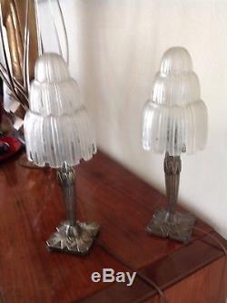 Paire de lampes d'époque 1930 en verre soufflé-moulé