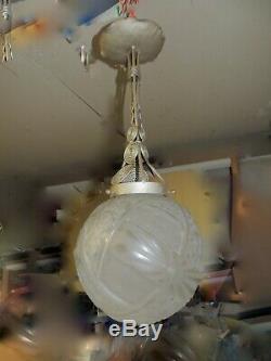 Pate de verre globe verre presséavec sa rare monture tout d'epoque