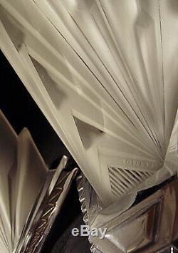 Petitot Paire Dappliques Modernistes Art Déco En Bronze Chromé Et Verre Pressé