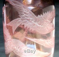 RARE Vase Art Déco signé LEGRAS, verre rose aux oiseaux en vol dégagé à l'acide