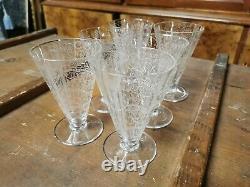 Série de 6 verres à vin blanc cristal de Baccarat modèle Lido art-déco