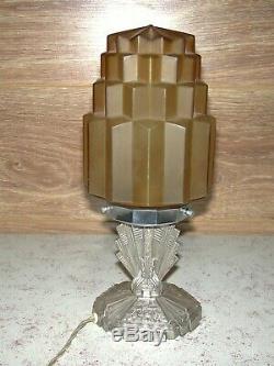 Superbe lampe Art Déco moderniste skyscraper pied régule globe verre ambre