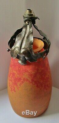 Tulipe pâte de verre Art Nouveau DAUM NANCY et griffe fer forgé Chapelle 1900