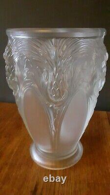 Vase Art Déco 1930 décor de Chardons verre moulé signé Verlys France