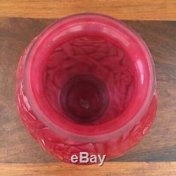 Vase Art Deco en verre opalin à décor de roses 1930 Signé P d'Avesn haut 22cm